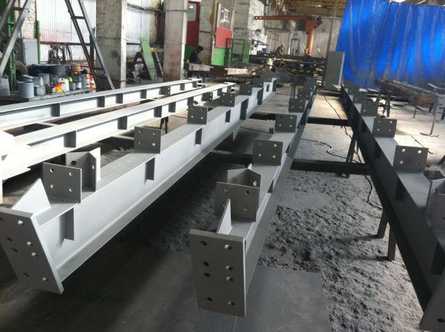 Колонны и балки для промышленного здания.