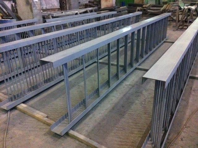 Металлоконструкции лестниц для спусков к оголовкам трубопроводов ЖД Трассы.