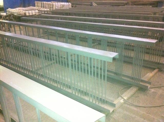 Покрытие металлоконструкций - грунтование ХВ и Эмаль ХС в 2 слоя