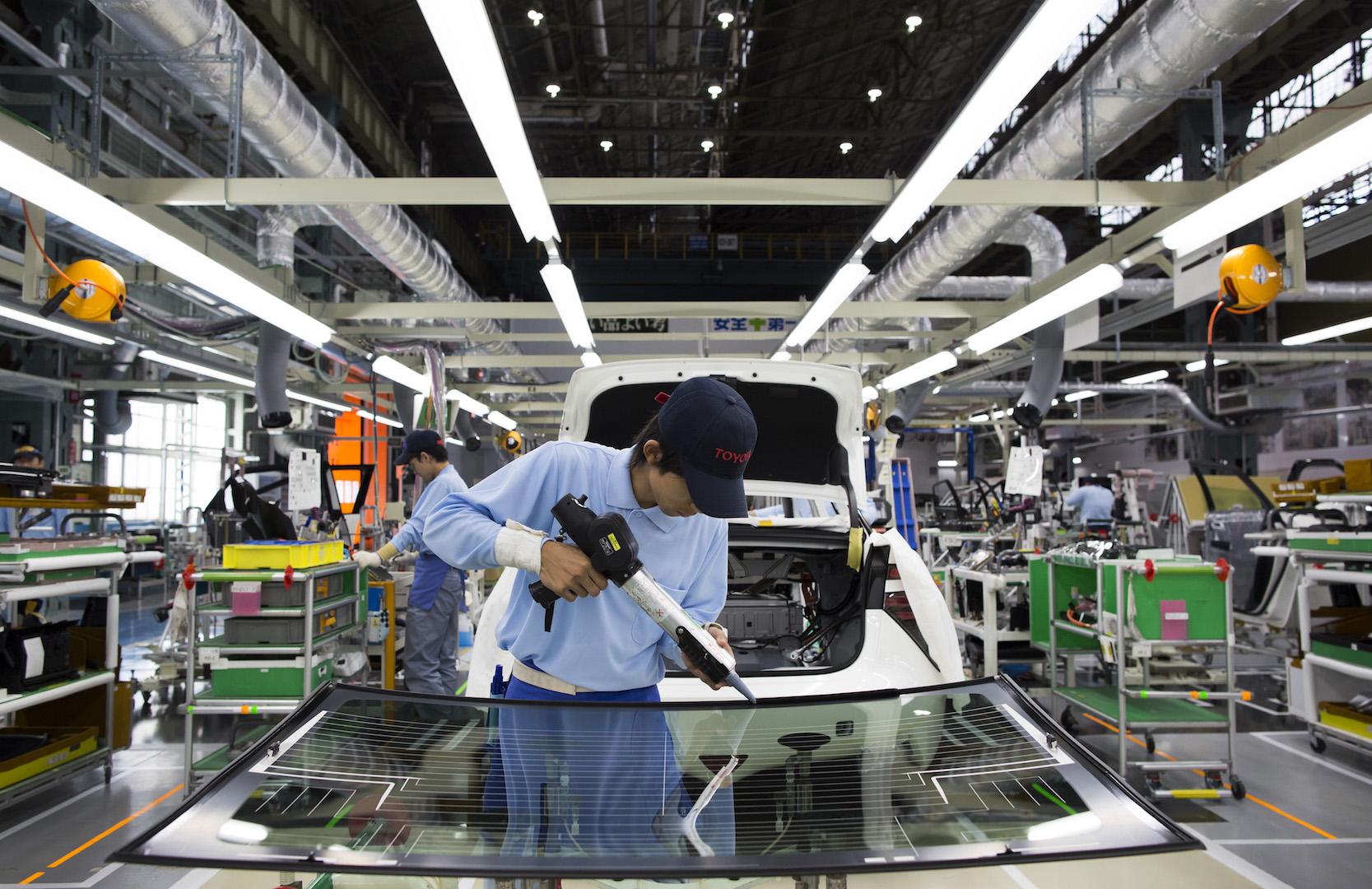 Сборочный конвейер тойота в японии видео багажный конвейер