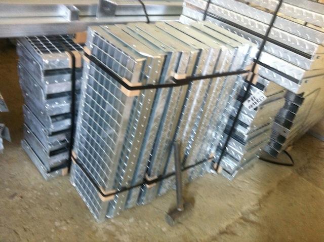 Решетчатые настилы для лестниц и площадок