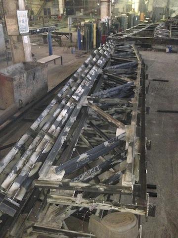 Металлоконструкции ферм здания торгового рынка.